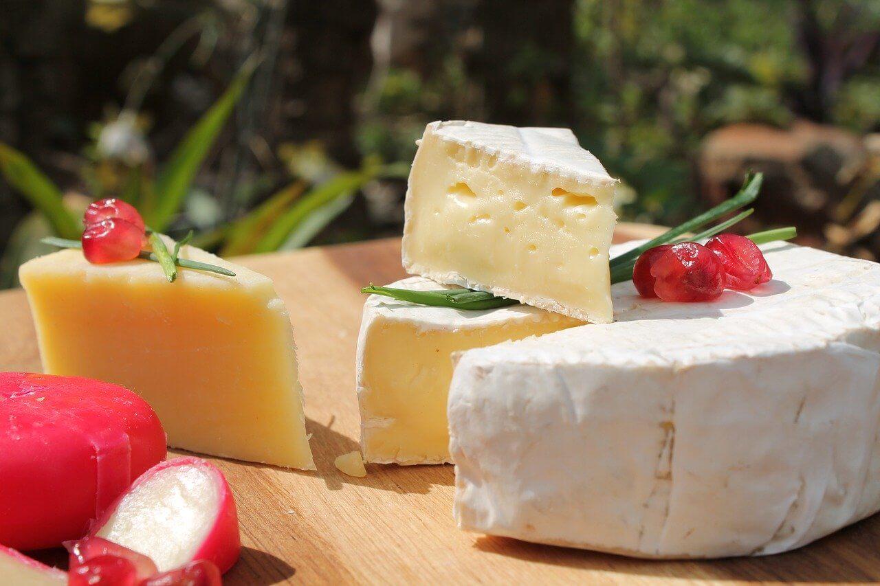 czego nie jeść w ciąży ser pleśniowy