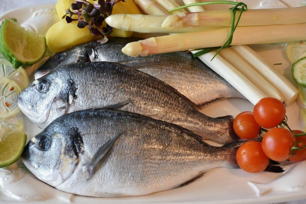 dieta przy karmieniu piersią ryby i mięso