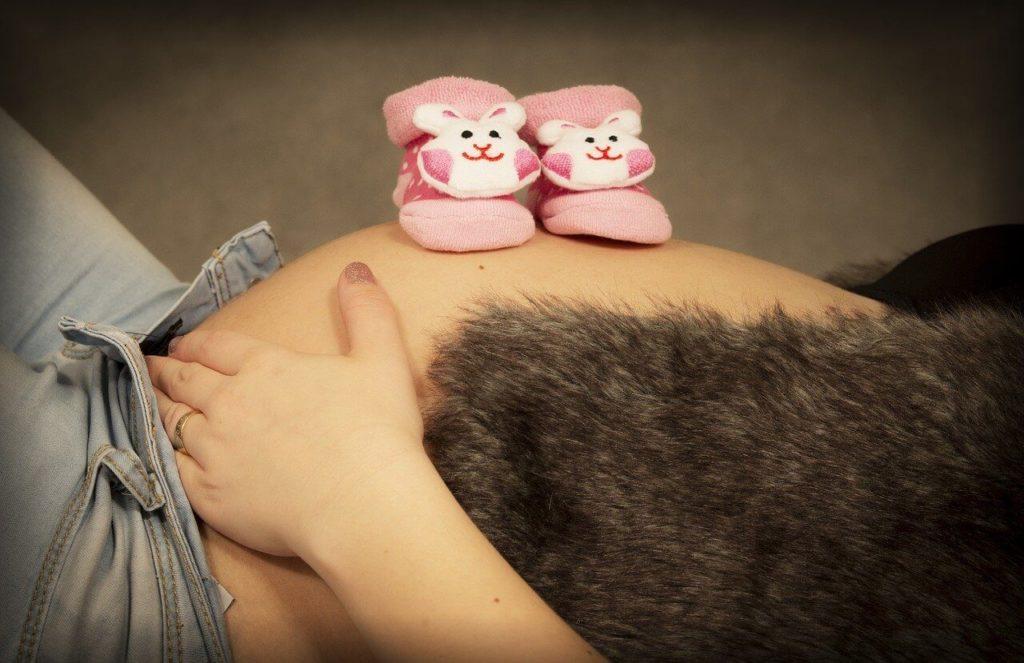 pierwsze objawy ciąży zaraz po zapłodnieniu